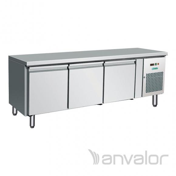 HŰTÖTT MUNKAASZTAL, alacsony kivitel, 3 ajtós, GN1/1, ventilációs